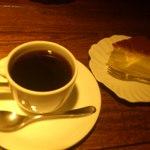 パイルドライバー - コーヒーとチーズケーキ500円