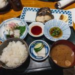 Shokusaikadota - 銀だら塩焼き定食 刺し身プラス