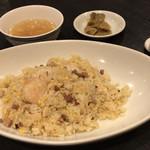 金剛飯店 - ホリデーランチ 1,400円の炒飯は搾菜とスープ付