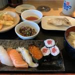 まるかつ水産 - 料理写真: