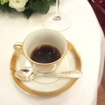 綱町三井倶楽部 - 2011コーヒー(1口飲んじゃいましいた)