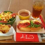 高虎ドッグ - 料理写真:お好きなドッグを選んでからつけるセット(焼きベーコンとたまごサラダのドッグ)