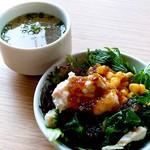 HAPPY HILL - ◼️ランチには全てサラダビュッフェとスープが付きます。 煮物、ナムルなどサラダ以外におかずもそろっています