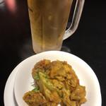 サンサール - ビール&チキンとカリフラワーのカレー