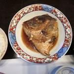 Shunyaminakuchi - タイのお頭の煮つけ 大きい