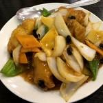 110038525 - 白身魚の黒豆炒め