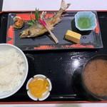 とんかつと和食の店 長八 - 鮎の塩焼き定食