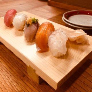 【江戸前寿司】シャリが少な目のツマミ寿司!