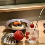 熊の焼鳥 - トマト酎ハイと熊の焼き鳥特製卵かけご飯キャビア