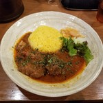 SPICY CURRY 魯珈 - 紅茶豚スペアリブカレー
