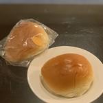 友永パン屋 - クリームパン(90円)