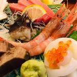 丸八寿司 - 刺身盛り合わせ