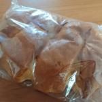 リベリュール ルージュ - クリームパン