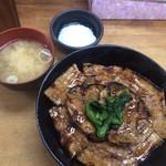 豚大学 - 豚丼 味噌汁と温泉卵のセット