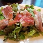 110076720 - 前菜:パルマ産プロシュートのサラダ