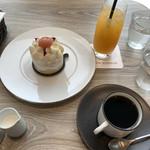 110082965 - オレンジジュース、プレミアムショートケーキ、コーヒー