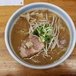らーめん庵 - 味噌ラーメン(800円)