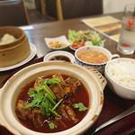 逸品飲茶縁茗 - 四川風牛肉土鍋ランチ