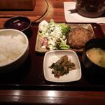 11009075 - 「神戸牛手作りハンバーグ定食」(990円)です