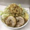 魔人豚 - 料理写真:ラーメン850円+うずらの卵100円。ヤサイにんにくアブラ。バキバキの麺と乳化スープがおいしかった〜!一応食べきったけどにんにくはスープに逃がすかたちになってしまった今度からニンニク少なめにする。