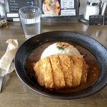 ワンオフカフェ - ひよこ豆を使ったトマトカレーライス