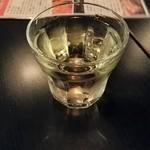 カンド クラブ バー - ハウスワイン シングルで@100(税別)