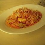 トラットリア カンパーナ - 自家製ソーセージと新キャベツのトマトソースパスタ