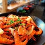 海女小屋食堂 - 2019年6月3日、さて本日あまちゃんオススメは〜、 【冷製 小海老のオリーブ和え】です。 隠し味にポン酢を入れてるので意外にもサッパリ‼️ぺろりと食べれちゃう一品。 かなりオススメ。