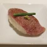 nikushouiyasaka - 前菜3種盛(近江牛の炙りトロ寿司)