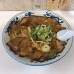 ぺーぱん - 料理写真:醤油チャーシューメン  950円