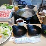 ダイニングしゃぶしゃぶ 仁 - 豚ロース定食 ¥920(税別)+ドリンクバー¥250(税別)