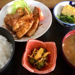 富士岡 - 料理写真:トンテキ定食(税込680円)(2019.06.現在)