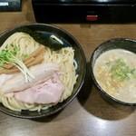 麺や よかにせ - 料理写真:濃厚魚介つけ麺(中太麺) 850円
