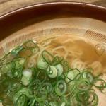 110118796 - 定番、中華そば風の麺