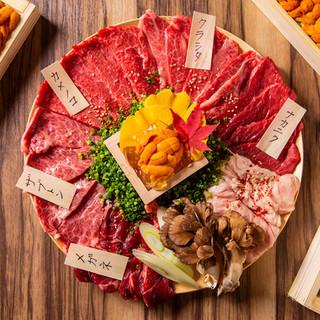 当店の名物『肉盛り』
