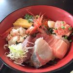 藤浪 - 海鮮丼 中とろ、はまち、鰹、蟹、甘海老、玉子、生しらす、いくら、ホタテ、ネギトロ
