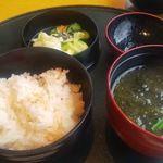 110128854 - 鮭炊き込み飯、漬物、味噌汁