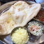 インド料理店 キングカレー - 学生セット¥650(税込)