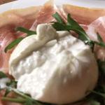 BISTRO MD - イタリアから届いたブッラータチーズ