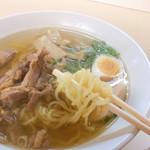 らーめんいちばん星 - 本荘鶏塩そばの麺