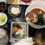 炭火活烹三是 - 鯛の煮つけ定食@800