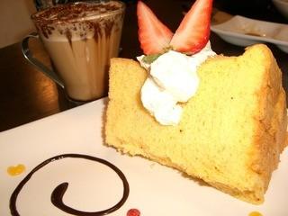 いなろ食堂 - 桜エビのシフォンケーキ