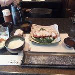 とんかつ マンジェ - 「レホール(山わさび)三味豚とんかつ定食」(1,950円込)(2019年6月)