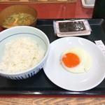 Nakau - 朝の目玉焼き定食250円也。