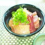 和久 - マグロの3種(天身、中トロ、大トロ)丼  昼ご飯にいただきました 絶妙です