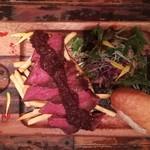 110170492 - 牛ハラミのコンフィ 赤ワインベースのステーキソース(+300円)