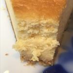 眞踏珈琲店 - ベイクドチーズケーキの断面