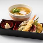鎌倉 里のうどん - 鎌倉野菜の天ぷらうどん