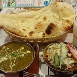 インドレストラン&バー・クリスナパレス - Krishna palace @船堀 ランチセット ほうれん草チキンカレー 税込870円 辛口・ナン・ラッシーを選んで