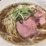 麺処 遊 - 料理写真:肉煮干しそば(900円税込)